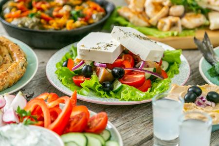 Selección de comida tradicional griega
