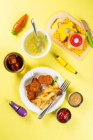 Kids menu concept - pasta, nuggets, french fries, soups, cola Standard-Bild - 131017273