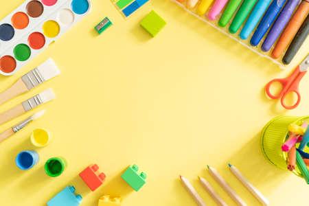 Kids online drawing class concept - supplies