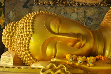 wat pho: Holy Wednesday is a golden pagoda nirvana  Stock Photo