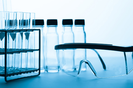objetos de cristal: lab glassware background, Laboratory research concept