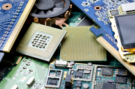 Electronic boards for extraction of precious metals, close-up Banque d'images - 106007650