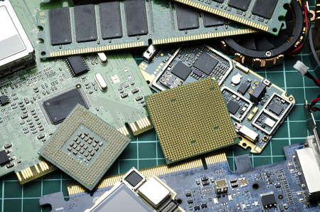 Electronic boards and chips for spare parts and recycling Banque d'images - 106008102