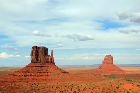 monument valley view: Scenic View of the Mittens, Monument Valley Navajo Tribal Park, Utah, USA