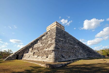 The Kukulkan Pyramid, aka El Castillo, in Ancient Mayan City Chichén Itzá. Yucatan, Mexico