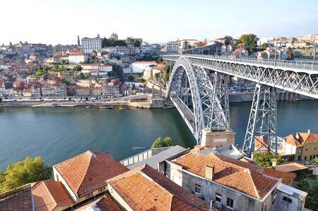 dom: Dom Lus Bridge, Porto