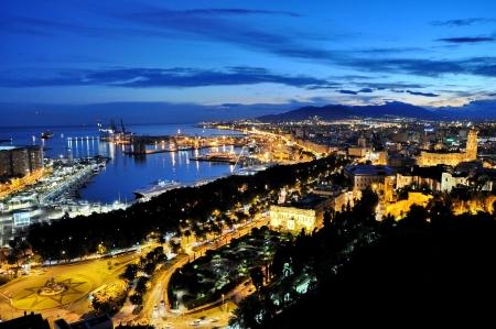 Stad van Malga, Spanje 's nachts Stockfoto