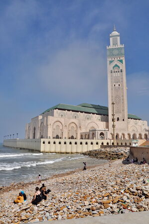 maroc: The Hassan II Mosque, located in Casablanca is the largest mosque in Morocco and the third largest mosque in the world