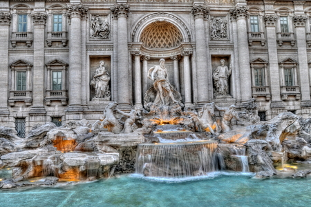 fontana: Trevi fountain in Rome