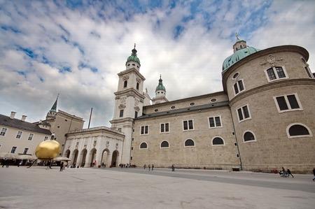 dom: Salzburger Dom � Salzbourg, en Autriche