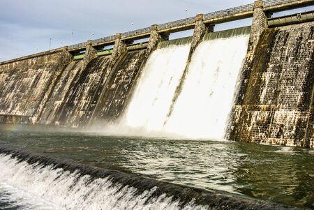 alava: Un pantano lleno de agua en Alava, Espa?a