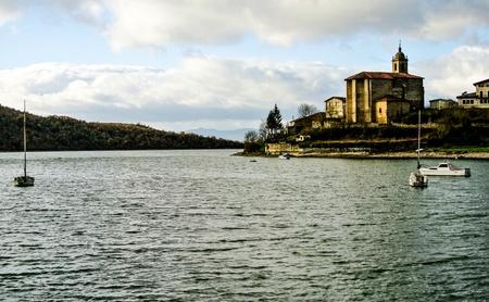 alava: Ullibarri-Gamboa lago Alava, Espa�a