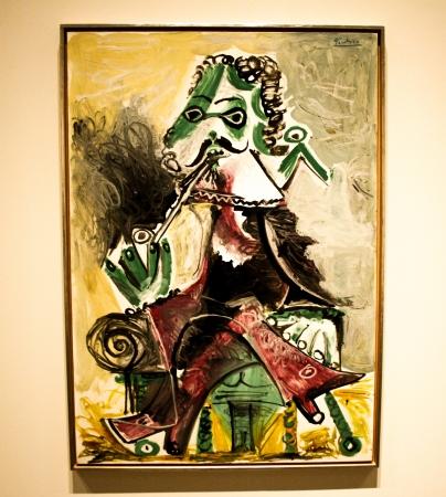 pablo: Un'immagine nel Museo Artium Mousquetaire la pipa di Pablo Picasso, 1966 Editoriali