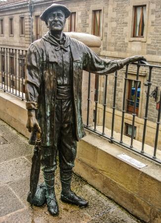 gasteiz: Celedon monument in the Virgen Blanca Square  Historic man in Vitoria  Alava, Spain  Editorial
