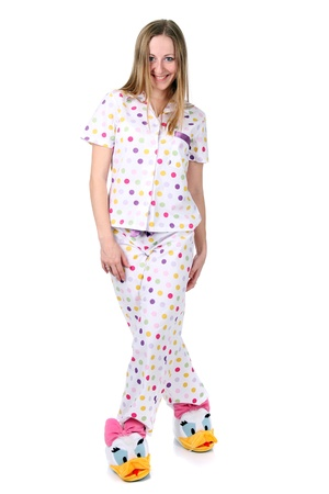 junge Frau im Pyjama