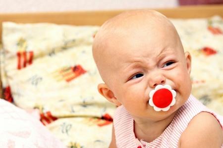 niño llorando: Retrato de niña bonita Foto de archivo