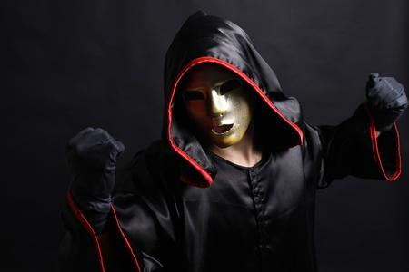 moine: moine masque mystique