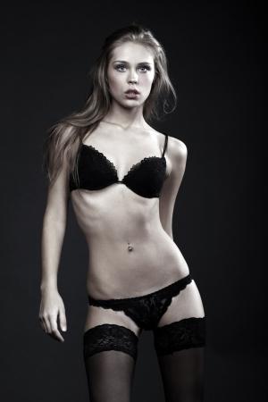 young nude girl: Sexy blonde Frau, Körper auf junge Frau in weiches Licht