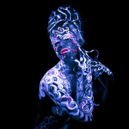 Art Corporel incandescent en lumière ultraviolette Banque d'images - 28206277