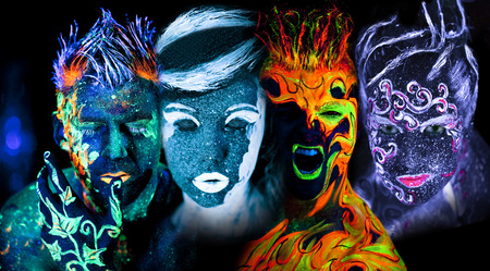 Body art gloeien in ultraviolet licht