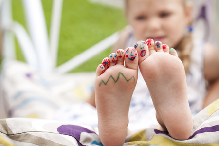 painted toes: Body part, Painted childrens fingers feet