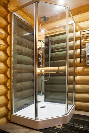 modern shower in a country house Foto de archivo - 131838900
