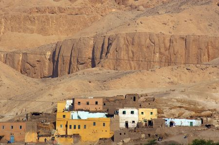 houses on the west bank valley of the kings egypte Stock Photo - 6112744