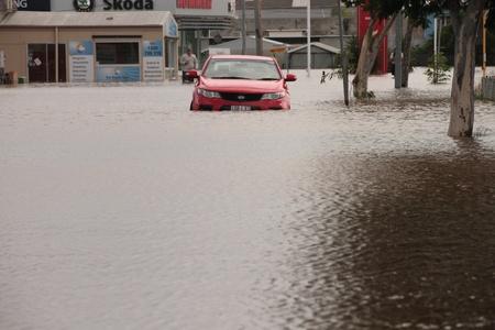 declared: BRISBANE, AUSTRALIA - JAN 12: Alluvione Brisbane Queensland dichiarato naturale disater 12 gennaio 2011 a Brisbane, Australia