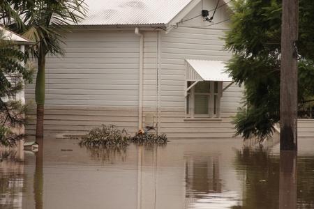 declared: BRISBANE, AUSTRALIA - JAN 13: Brisbane alluvione auchenflower zona Queensland dichiarato naturale disater 13 gennaio 2011 a Brisbane, Australia  Editoriali