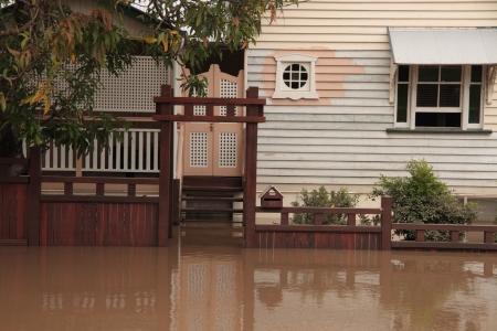 BRISBANE, AUSTRALIA - JAN 13: Zona milton alluvione Brisbane Queensland dichiarato naturale disater 13 gennaio 2011 a Brisbane, Australia