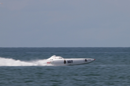 BRISBANE, AUSTRALIA - SEPTEMBER 16 : Team The Good Guys participating in round 5 of Offshore Superboat Championships on September 16, 2012 in Brisbane, Australia