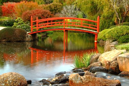 zen rocks: Japanese gardens in carnival of flowers town Toowoomba darling downs autumn colour