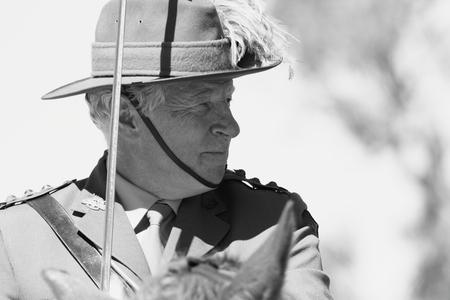 reenactor: Caboolture, AUSTRALIA-septiembre 06: Unidentified re-enactor de la Asociaci�n 11 de Lighthorse como parte de la conmemoraci�n del centenario de ANZAC en la aldea hist�rica 06 de septiembre 2014 en Caboolture, Australia Editorial