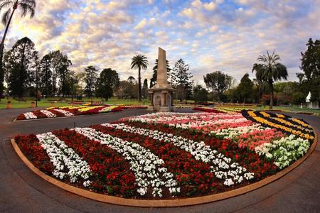 꽃 축제의 카니발 기간 동안 Toowoomba 식물원 퀸 즈 공원