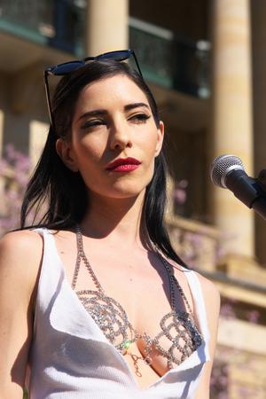 Bisexual Woman In Brisbane