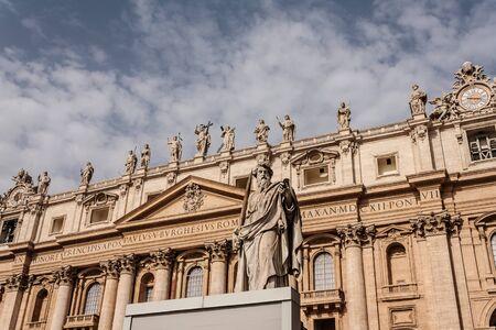 paulus: St. Paul at St. Peter in Rome