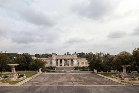 モダンアート: ピンチョの近くのローマの現代美術の国立博物館 報道画像