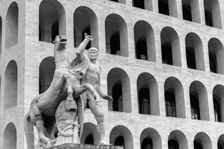 neocl�sico: Negro y Blanco vintage Fotograf�a de viajes: Arquitectura neocl�sica en Roma, en euros