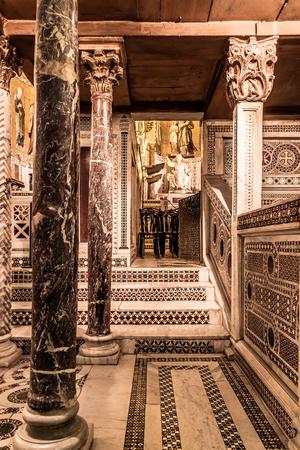 cappella: Palermo, Sicilia  Italia - 27 JUNE 2013: Tiro interior de la famosa Capilla Palatina en Sicilia el 27 de junio de 2013 en el Palacio Real de Palermo en Sicilia, Italia