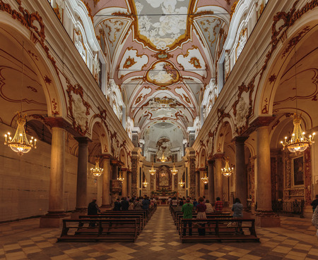 trapani: TRAPANI, ITALY - SEPTEMBER 26 2015: Interior View of a large Church in Trapani