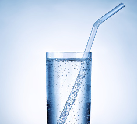 vaso con agua: Vaso de agua