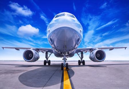 航空機の準備を取る 写真素材