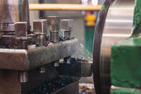 Lathe, manufacturing parts by machining metal on a milling machine
