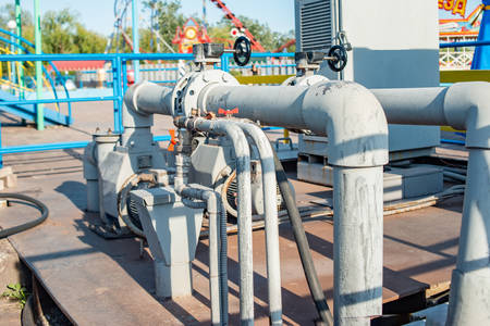 Pipeline and pump station for pressurized water