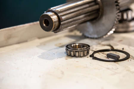 Splined shaft with bearing for repair of machine tool equipment. 스톡 콘텐츠