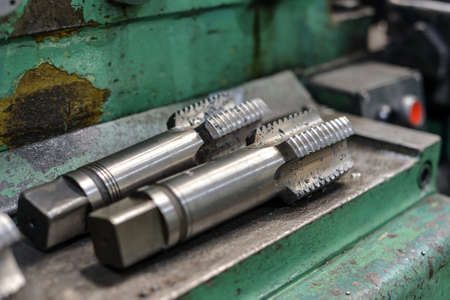 Metal cutting tools for turning and milling machines. Large diameter tap for internal threading Stockfoto