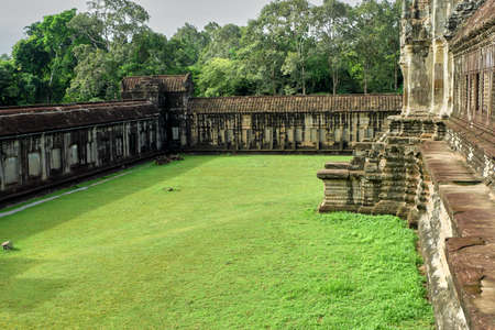 Architecture and lawns of Angkor Wat Reklamní fotografie