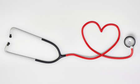 coeur sant�: en forme de c?ur st�thoscope isol� sur fond blanc