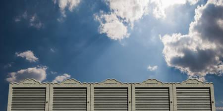 セルフ ストレージ モダンなコンクリート ユニット 写真素材