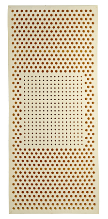 breathable: Un materasso in lattice � realizzato in gomma liquida ed � resiliente, antimicrobica, non porto gli acari della polvere ed � traspirante evitando il surriscaldamento durante il sonno, isolato su bianco Archivio Fotografico